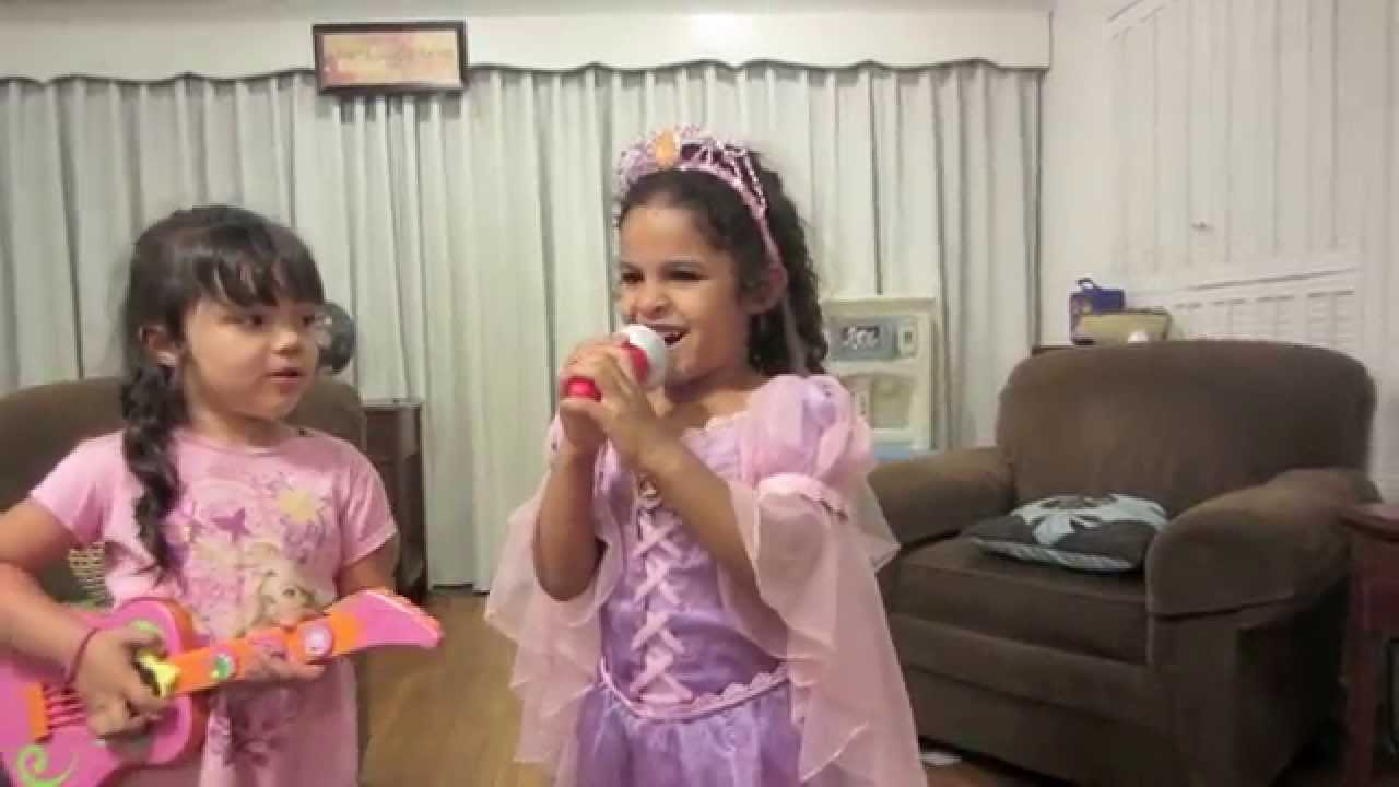 Sisters singing the middle of starting over by sabrina carpenter