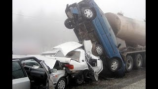Download Video Top road accident CCTV Video - Caught On Camera MP3 3GP MP4