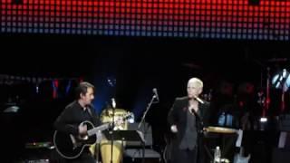 Annie Lennox wins George Harrison Global Citizen Award sings