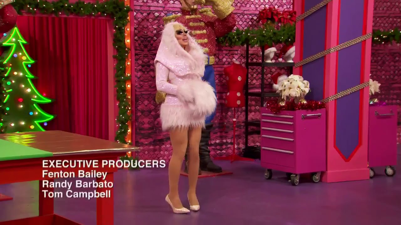 Download RuPaul's Drag Race Holi-Slay Spectacular/Christmas Special All Entrances🎅🎄