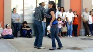 Bailando Zapateado (el sinaloense)