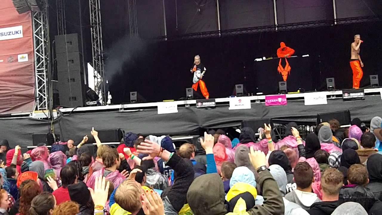 Die Antwoord - Wat Kyk Jy (Live at Beach Goth IV 2015