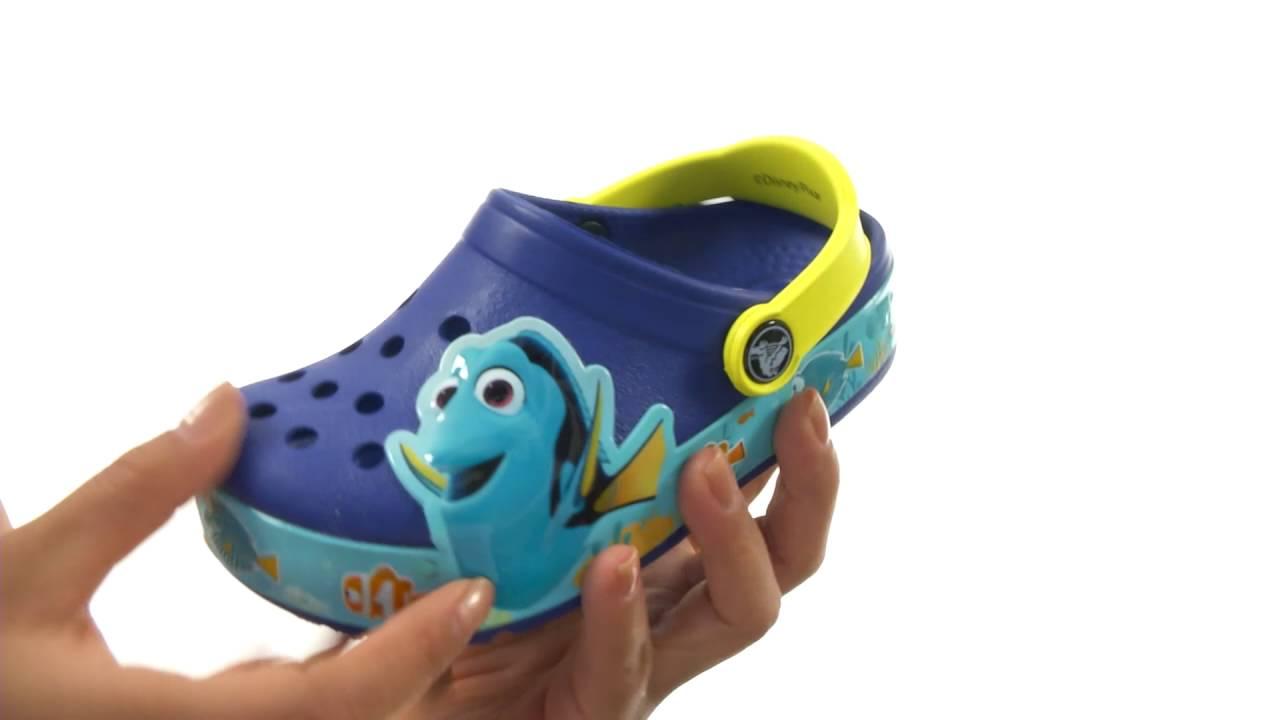 b8cd861e9 Crocs Kids CrocsLights Finding Dory Clog (Toddler Little Kid) SKU 8655072