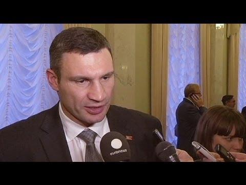 Boxing champ Klitschko won't be drawn into Ukraine parliament brawls