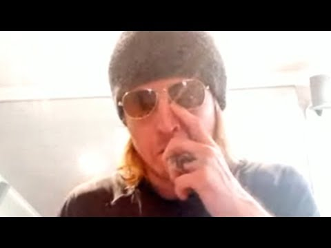 Puddle Of Mudd's Wes Scantlin Gets Emotional Talking About His Sobriety (Interview)