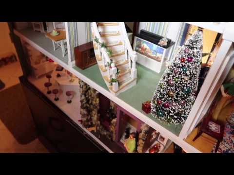 Christmas Decorating A Dollhouse
