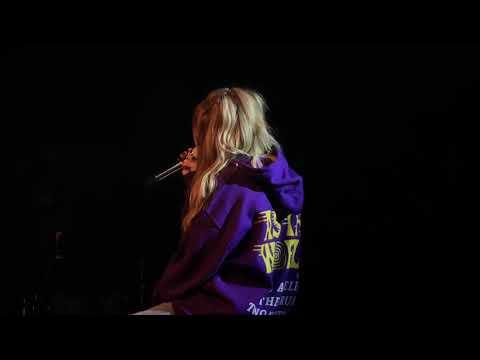 Sabrina Carpenter Exhale Live