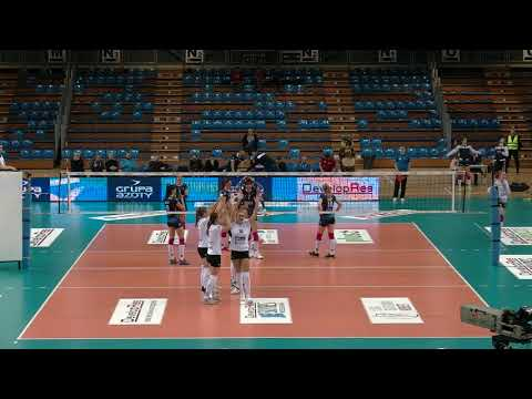 Anna Kaczmar SETTER Polish League 2017-2018 nr 8 white shirt
