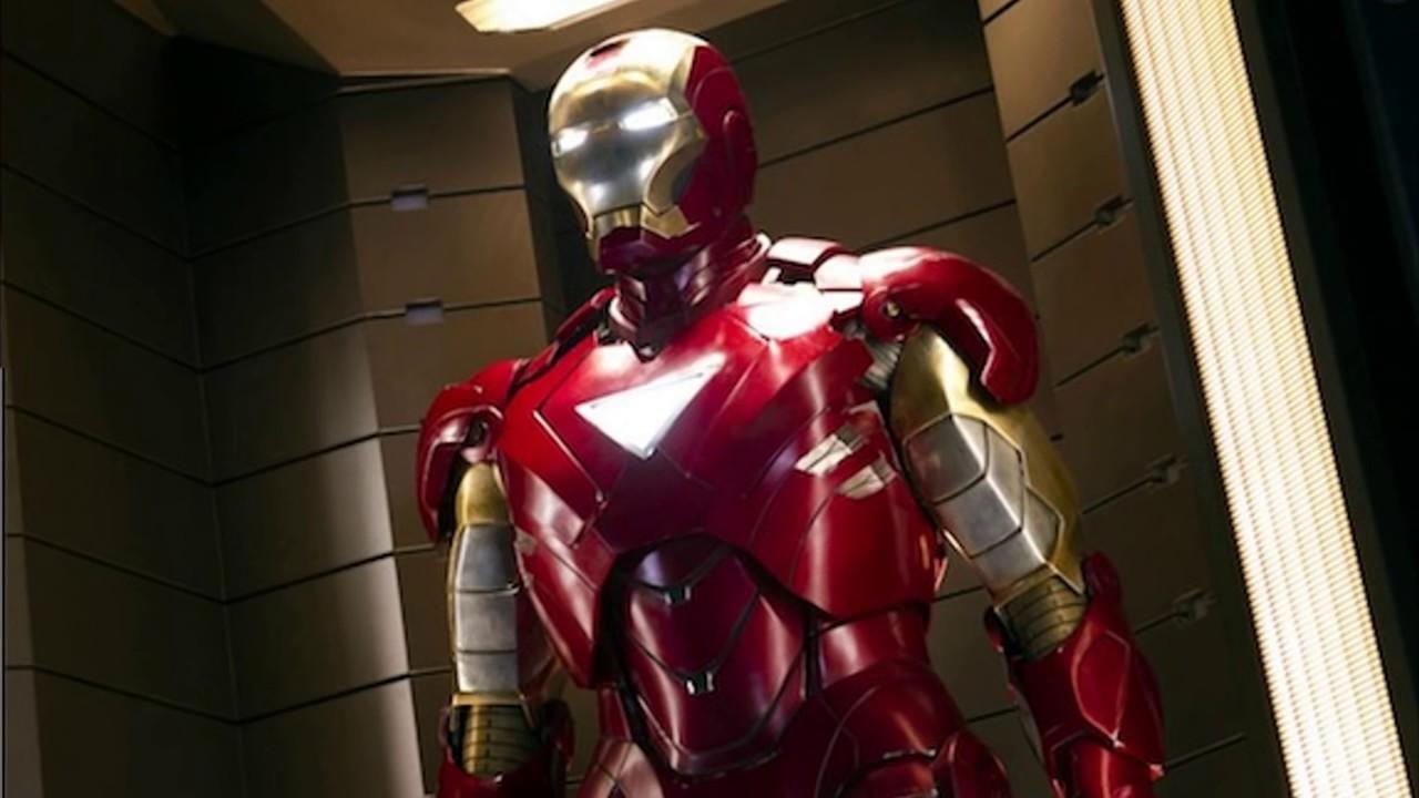 Iron Man Hand DIY with cereal box (PDF template) | Iron man hand ... | 720x1280