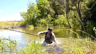 Чуть не утонул с этой рыбалкой Нас затопило Было трудно но рыбы наловил Удочка с боковым кивком