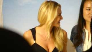 Candice Swanepoel Victoria's Secret Angel looking hot posing for pictures with fans