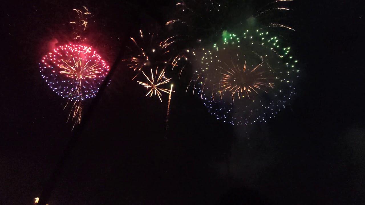 2020 臺南土城鹿耳門 1080p60 第一梯高空煙火 - YouTube