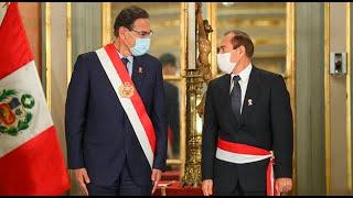 Vizcarra tomó juramento a Walter Martos como jefe del Gabinete Ministerial