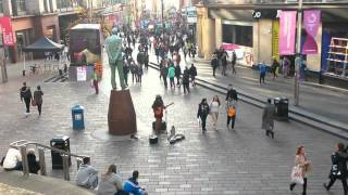 Great busker and street performer in Glasgow