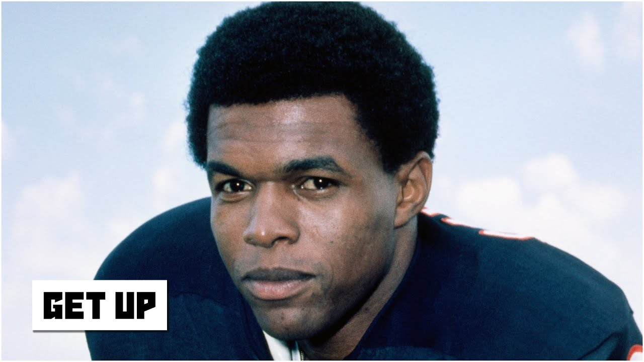 Gale Sayers: Chicago Bears Hall of Famer dies