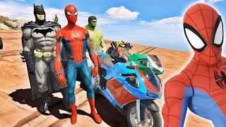 HOMEM ARANHA BATMAN E HULK E AMIGOS COM MOTOS NA RAMPA! MOTOS COM SPIDERMAN - IR GAMES