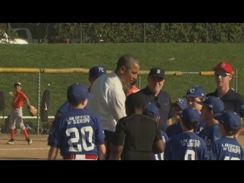 Download Youtube: U.S. President Barack Obama shocks Washington Little League teams with a surprise visit