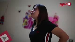 بطلة من ذوي الاحتياجات الخاصة تتحدى إعاقتها بـ«الباليه والسباحة والتنس«