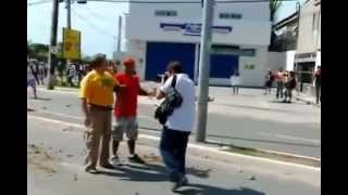 QUANDO A PATENTE É ALTA ELES ARREGAM! -  Homem Enfrenta a Polícia em Fortaleza 27/6/2013