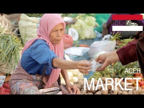 Banda Aceh Market in Sumatra • Fruits, Vegetable, & Meat • INDONESIA