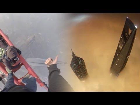 Watch Crazy Russian Raskalovit Daredevils Climb Shanghai Tower