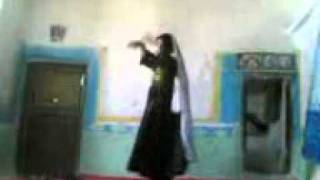 pashto hot girl dance cought in mobile.3gp