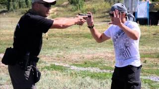 уроки самообороны что делать если на тебя напали видео.wmv(P.S. Уже сейчас, прямо в эту секунду, можно начать обучаться у Алексея Маматова приемам самообороны и не тольк..., 2015-02-09T21:18:17.000Z)