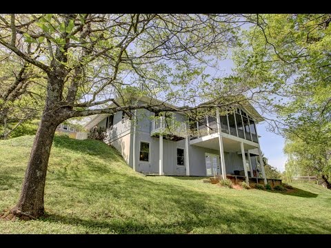 436 Cresent street, Saluda, NC. Homes and Land For Sale in the Blue Ridge Mountians of NC.