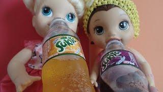 Como fazer REFRIGERANTE DE UVA E DE LARANJA para BABY ALIVE e outras bonecas.