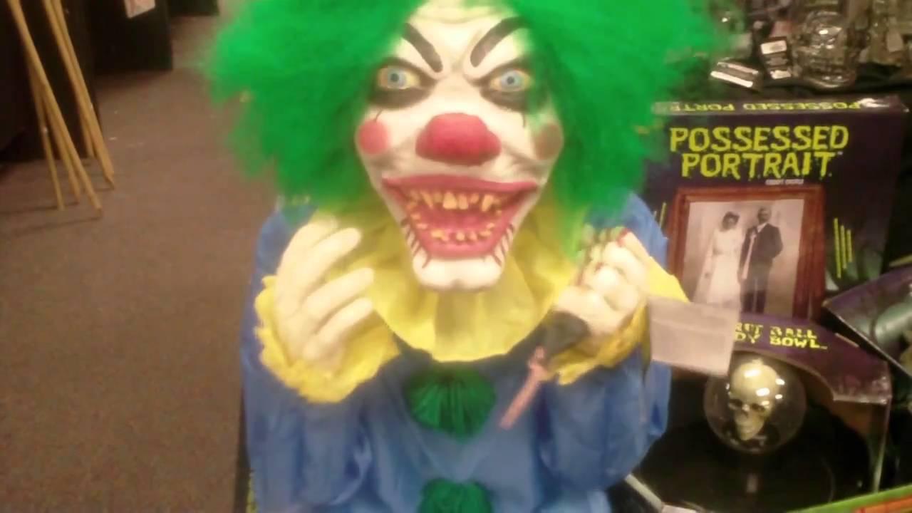 Creepy clown midget