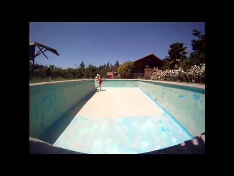 Vaciado limpieza y pintado de piscina de hormig n doovi for Vaciado de piscina