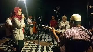 Gambar cover Khusiyan Aur Gham in Keroncong