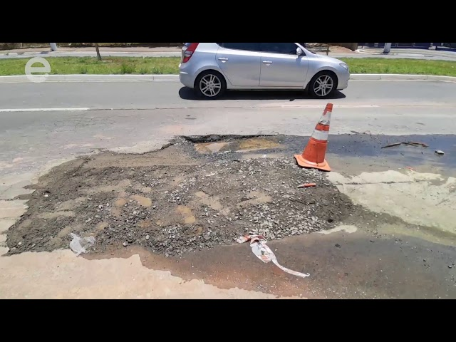 Obras na avenida Lauro Côrrea, em Limeira, complicam trânsito da região