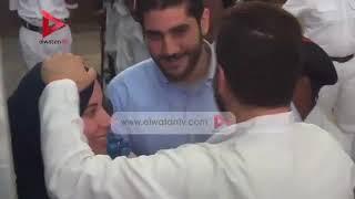 Muhammed Mursinin Oğlu Üsamenin Eşiyle Ve Oğluyla Mahkemedeki Buluşması