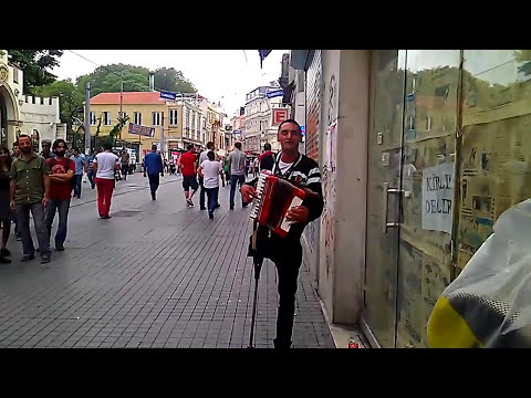 Amazing accordion player in Istanbul Florin - #Florin (Cantaret roman la acordeon in Istambul)