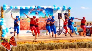 Девчонки танцуют клёвый танец дэб. Ивангай смог бы так?
