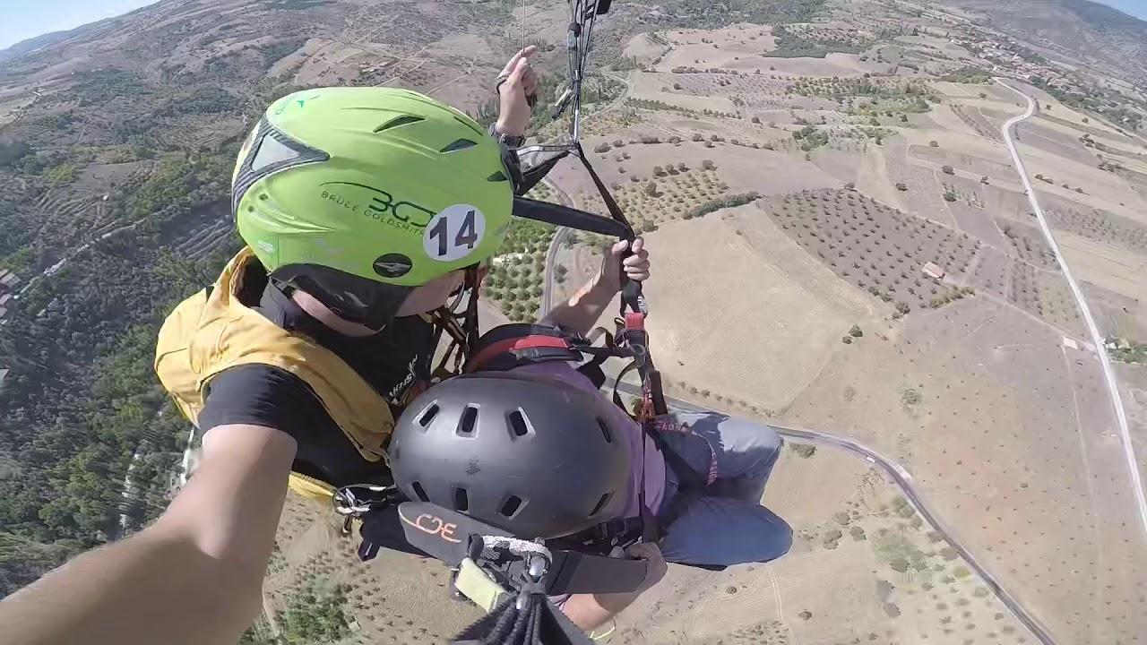 Paraşütle atlarken havada bayıldı
