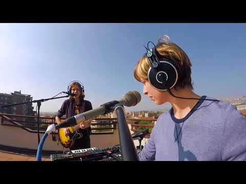 Sonars - Lipstick Dinosaur (Live On The Rooftop)