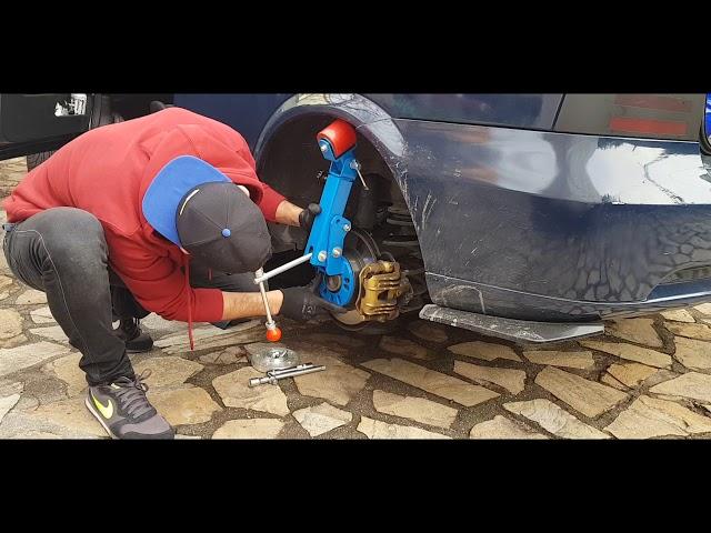 Cómo Ensanchar Aletas con maquina Rieger [Cámara rápida] - Bertone Proyect