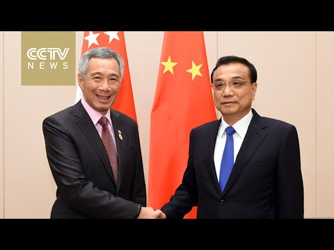Chinese Premier Li Keqiang meets with Singaporean PM Lee Hsien Loong