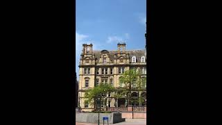 Travel in UK Leeds Town hall Library Market 2018