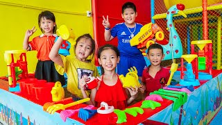 Kids Go To School | Chuns And Friends Hang Out In The Fairy Garden Kids Play Area