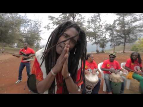 Boukman Eksperyans - Zonbi san manman - [Video Kanaval 2016]