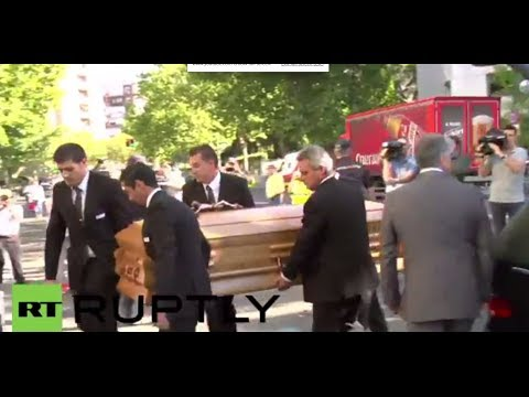 Spain: Football fans pay final respects to Real Madrid legend Di Stefano