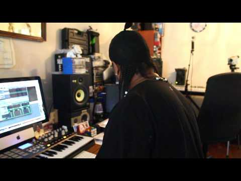 Making The Beat: Tip Toe @FeLLoNeY @H-BomB Productions !!!
