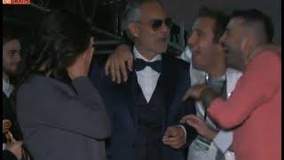 ANDREA BOCELLI SOTTO ATTACCO DA PIO E AMEDEO - VIDEO ESILARANTE!