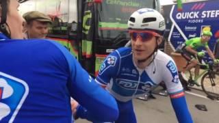 Paris-Nice 2017 - Arnaud Démare félicite ses coéquipiers après sa 2e place à Bourg-de-Péage
