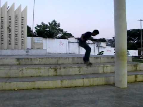 Toma Para Crooked Skateshop - TOME Ollie