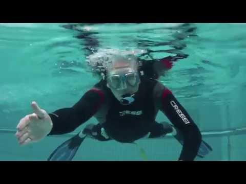 PADI Divemaster IDC Skill 23: Schnorcheltauchen – Schnorchel mittels Ausblasmethode ausblasen