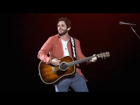 Thomas Rhett Vacation Tangled Up Lyrics Youtube